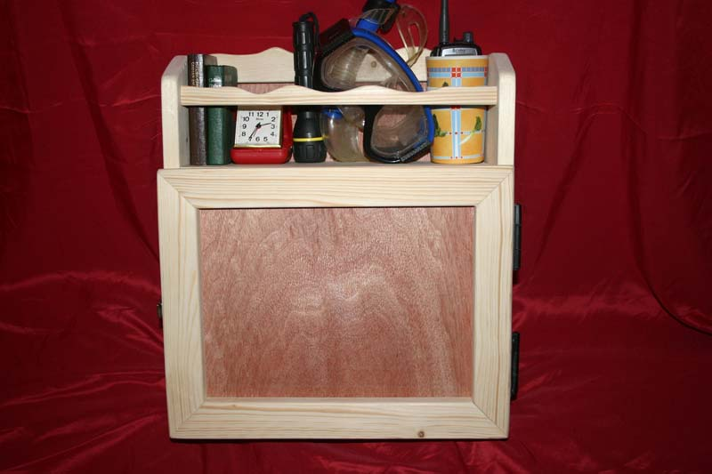 Wall cabinet - galley style